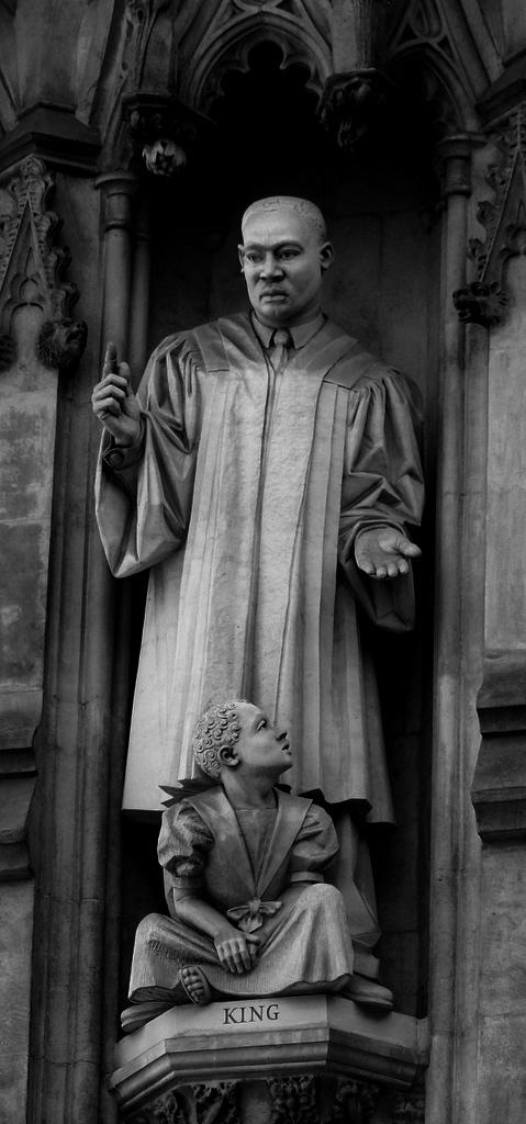 """Martin Luther King, Jr. Monument."" MaestroBen, http://www.flickr.com/photos/maestroben/1465122257/"