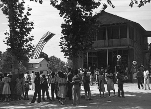 """""""4th of July celebration, St. Helena Island, SC."""" Library of Congress, http://www.flickr.com/photos/library_of_congress/2179076774/"""