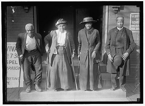 """Reunion of former slaves, 1917."" Bobster855, http://www.flickr.com/photos/32912172@N00/3771083813/"