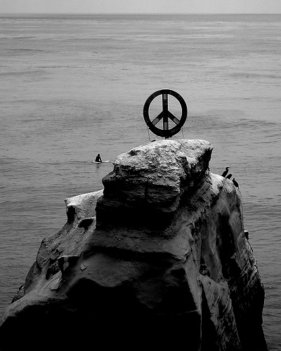 """Peace sign in Ocean Beach."" slworking2, http://www.flickr.com/photos/slworking/619836807/"